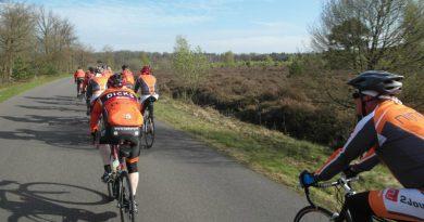 Bij Ne9en Voorjaarstocht van fietstoerclub Heikera.