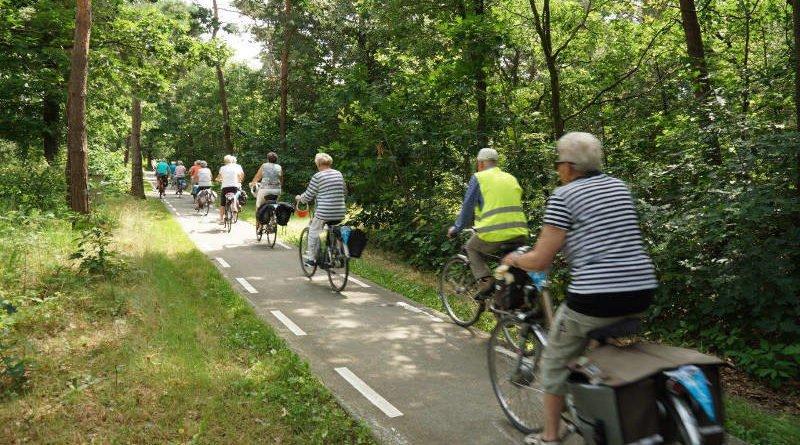 De routecommissie van de Fietsvierdaagse Venray pakt uit.